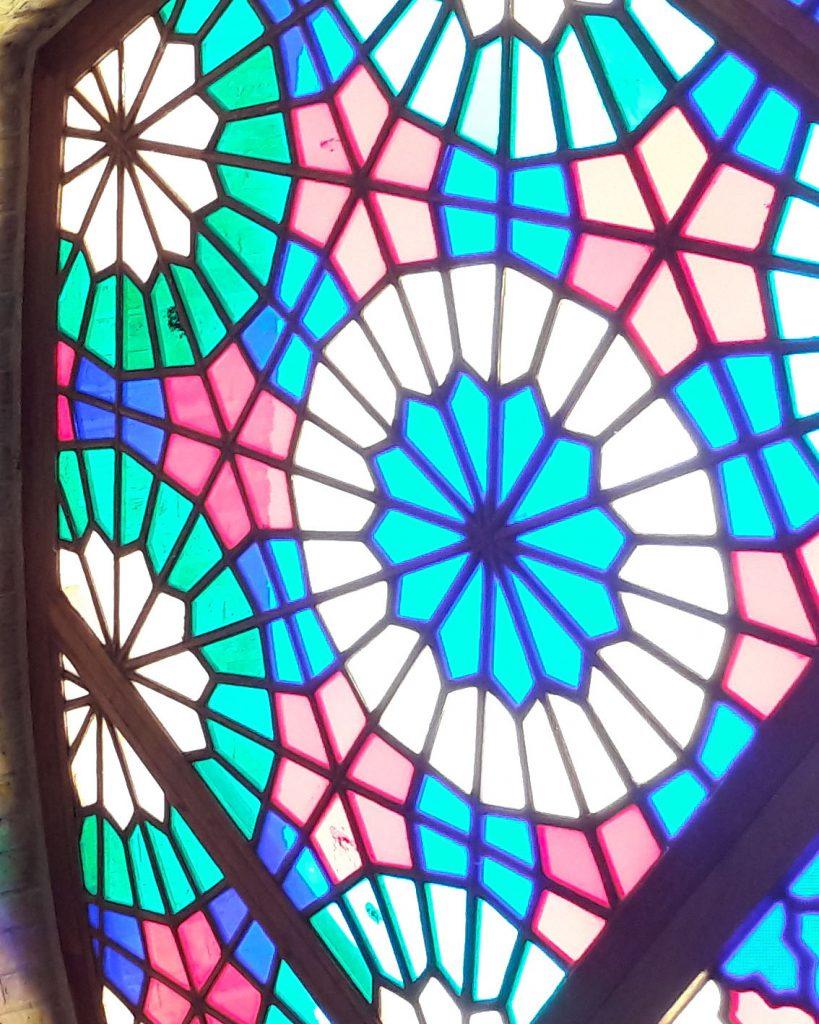 انواع شیشه های رنگی