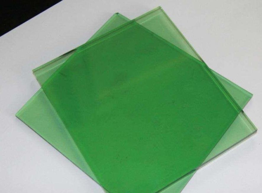 تاثیر فلزات در رنگ شیشه ها