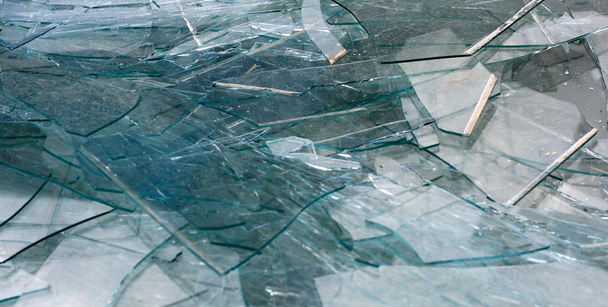 قرن ها پیش استفاده از شیشه