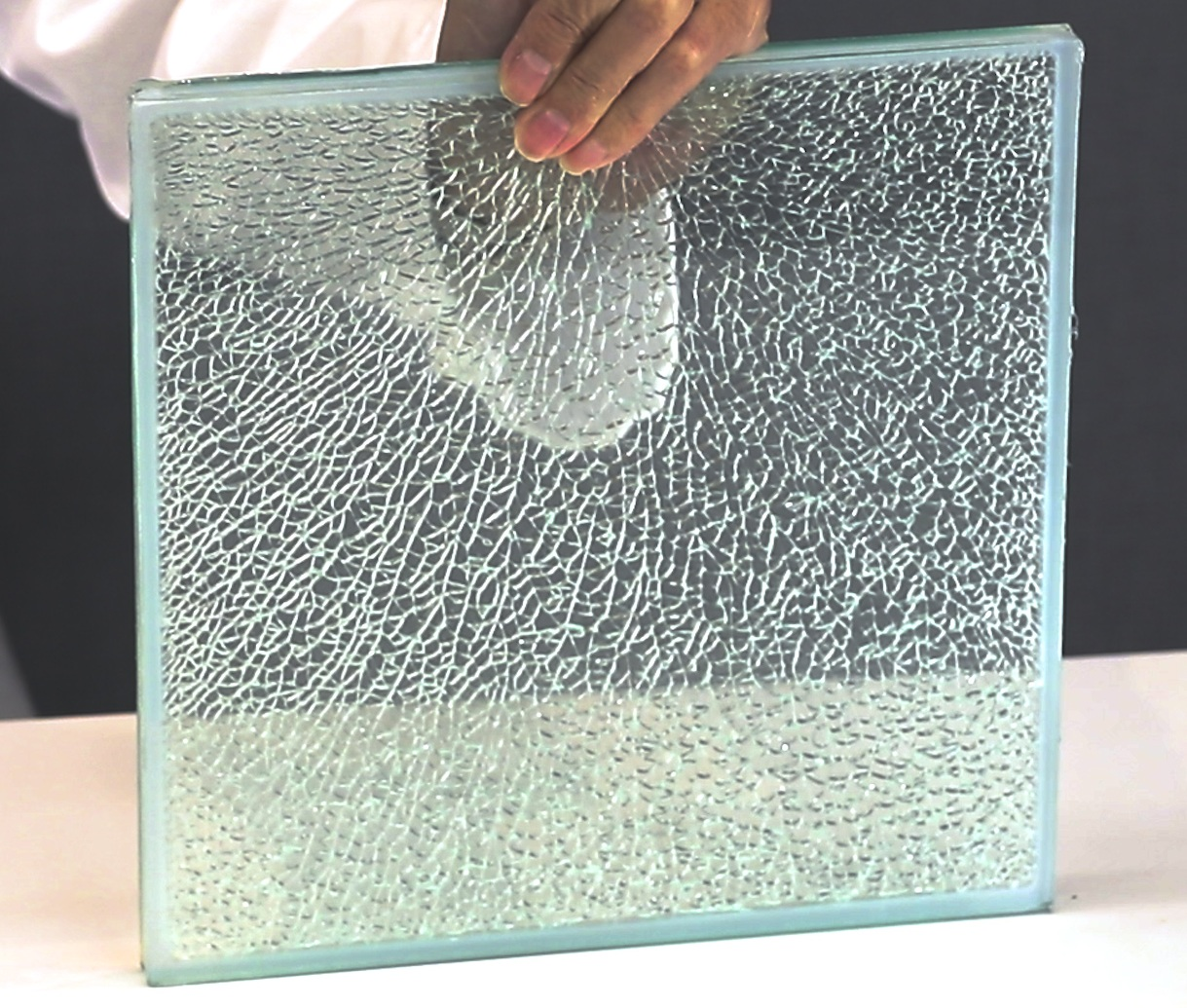 موارد استفاده از شیشه لمینت