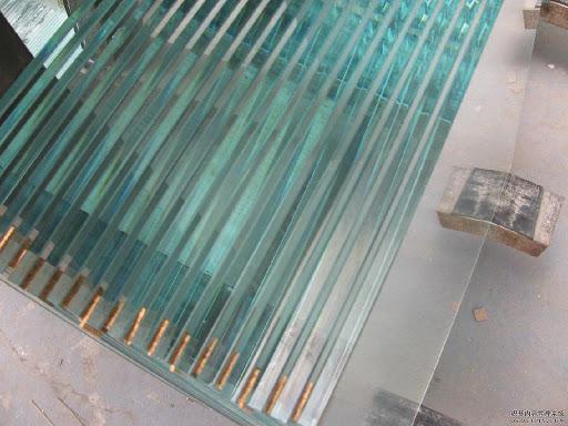 سفارش شیشه در انواع ضخامت برای صادرات